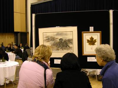 Intense interest in sumi-e painting of autumn
